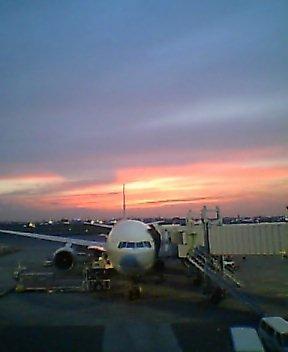 羽田空港の夕焼け