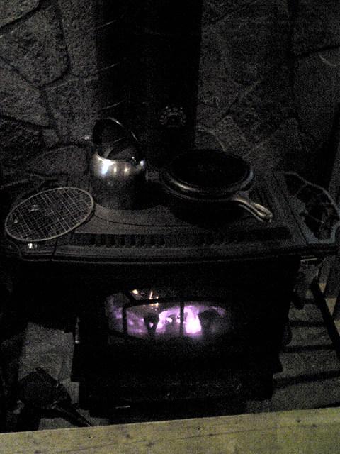 焼きイモを作る